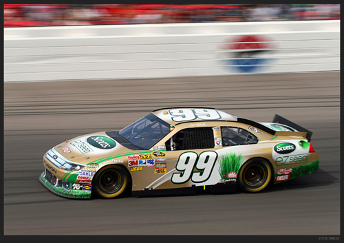 Carl Edwards wins the Kobalt 400 in Las Vegas